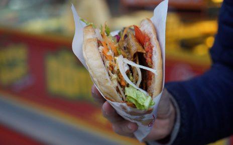 Kebab najchętniej wybieranym posiłkiem na mieście